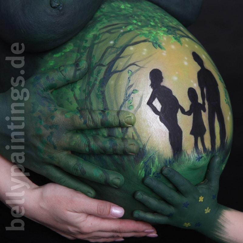 Bellypaint Familie im Wald