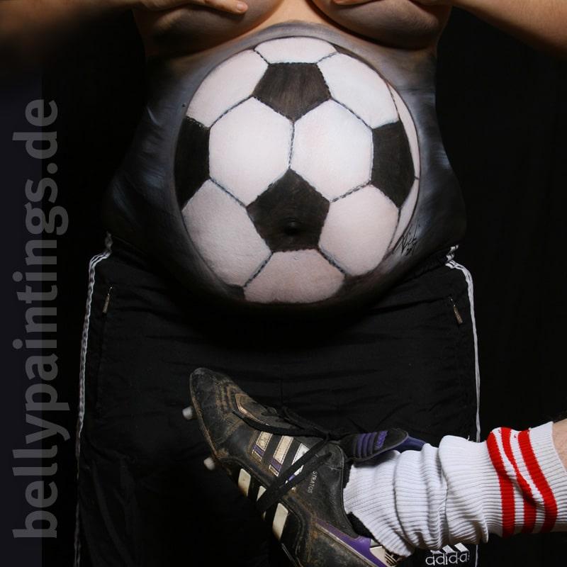Bauchbemalung Fußball