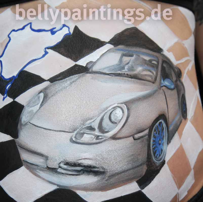 Bauchbemalung Motorsport Nordschleife Michaela Zeng Entstehungsfoto