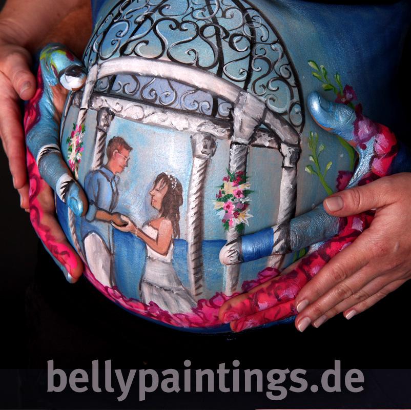 Einzigartige Babybauchbemalung aus Hochzeitsfoto und Hochzeitserinnerung Bellypainting Bodypainting