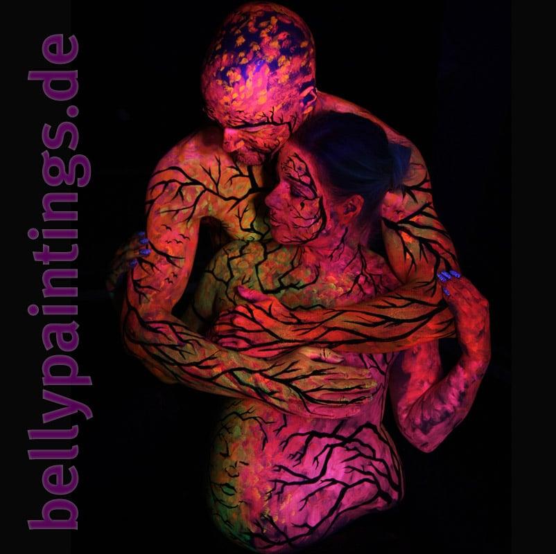 Bodypainting Bauchbemalung Urlaub vom Alltag Neon Schwarzlicht Liebespaar