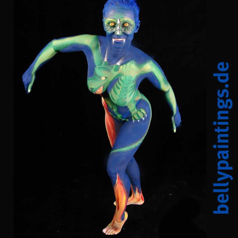 15 Jahre Bodypainting Babybauchbemalung Bellypainting Bodypainting Drache vorn